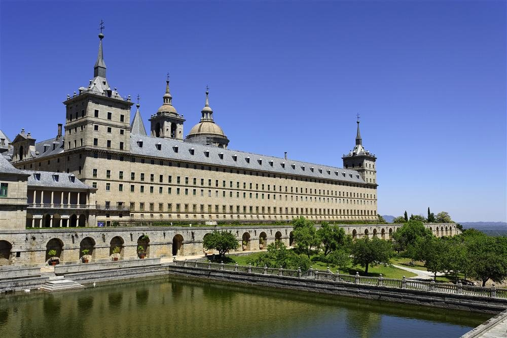 VISITA EL ESCORIAL 8 HORAS HASTA 8 PLAZAS