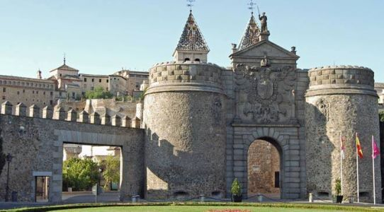 Visit Toledo and Avila same day